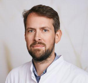 Prof. Dr. med. Ole Goertz ist Experte für Chirurgie und Dr. Pro Bono